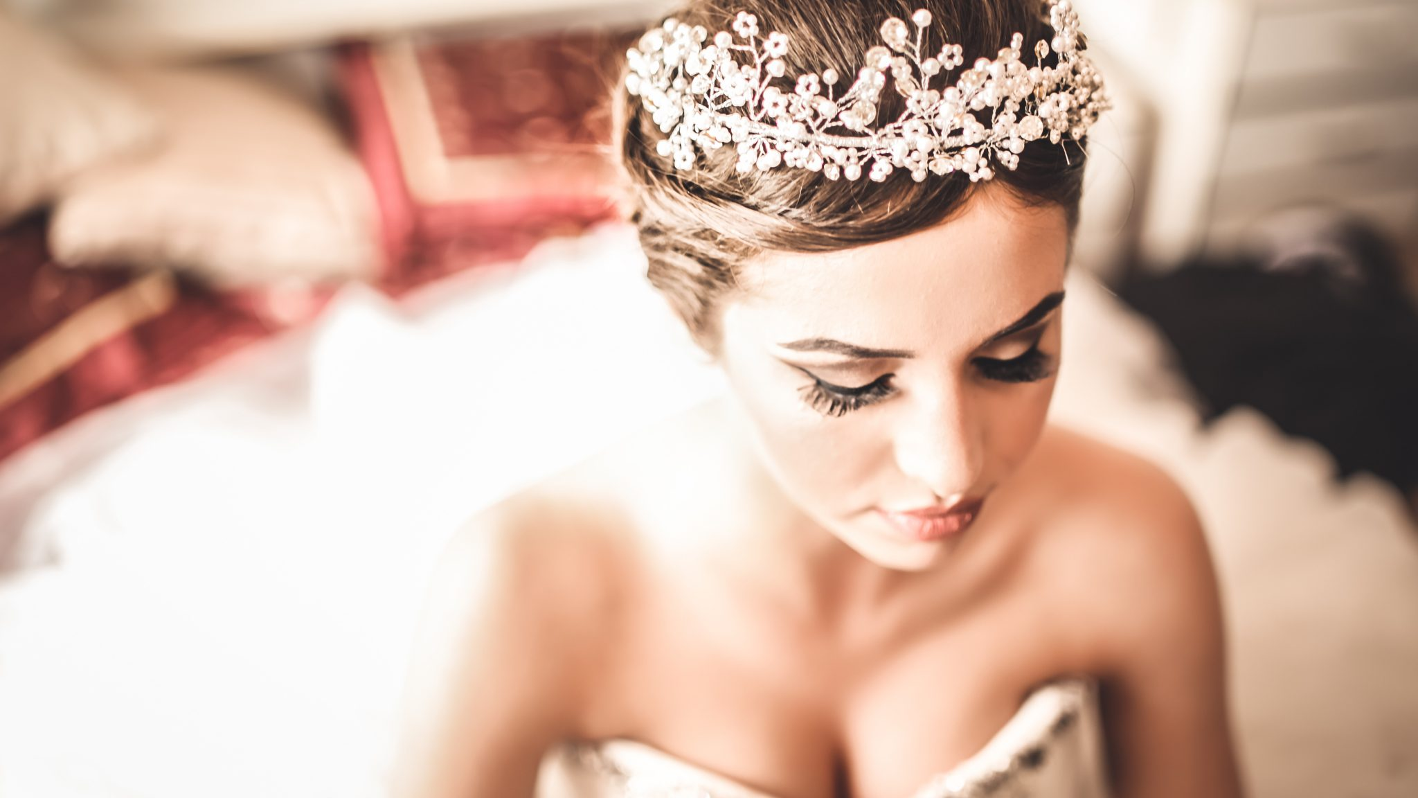 Bridal Headpieces; delicate headpieces to wear for your wedding