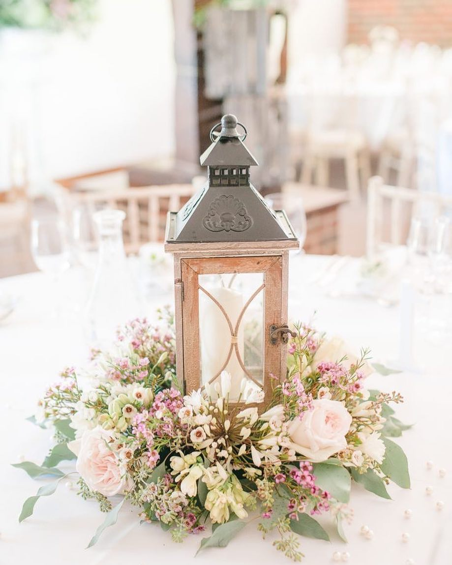 Lanterns And Reefs For Spring Wedding Décor
