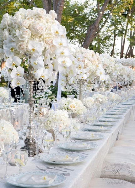 Terrific Silver And White Décor