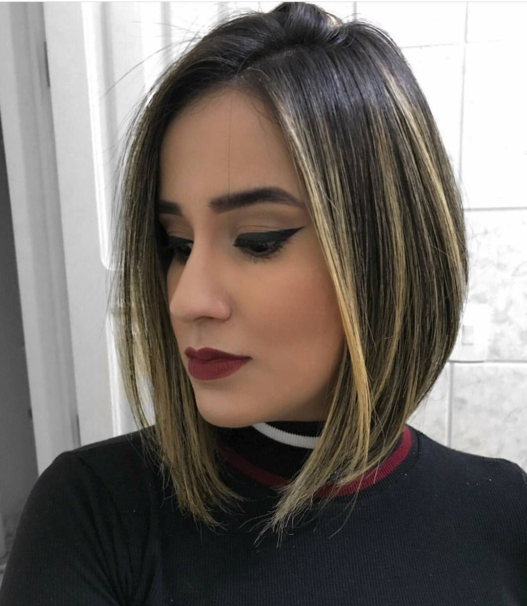 Chic Medium Bob Haircut for Women, Shoulder Length Bob Hairstyle Designs