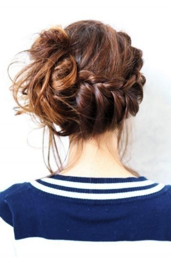 Trendy-Hairstyles-That-Will-Save-Your-Hair-On-Rainy-Days