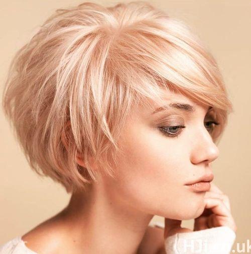 Shaggy Haircut For Oval Shape Faces